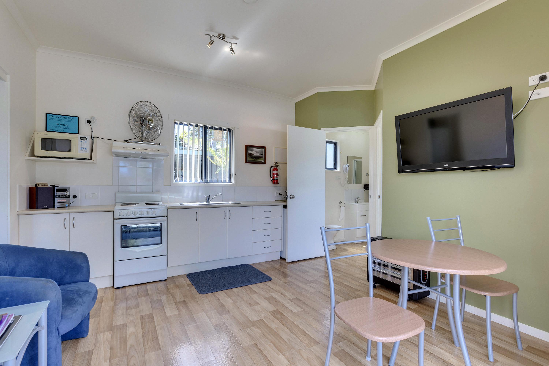 6-Living-room-kitchen-c6